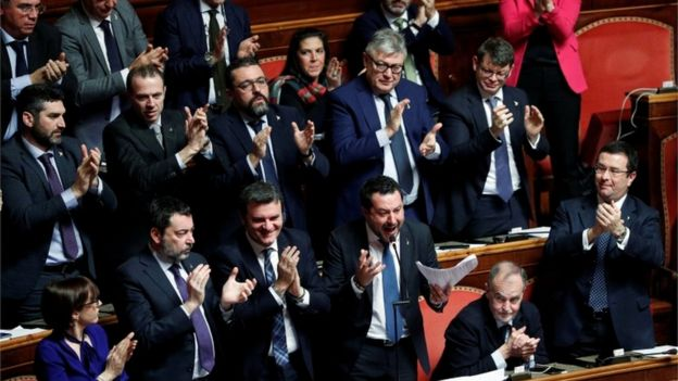 Senators clap Salvini