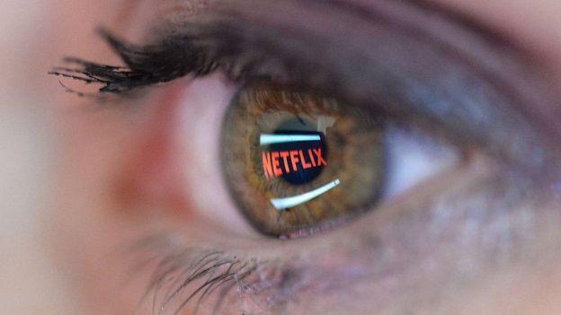 Netflix reflejado en una pupila