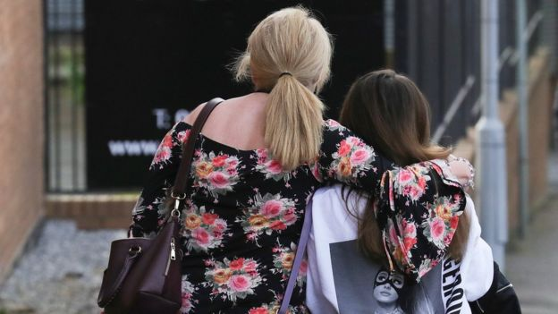 Una mujer y su hija lego del atentado de Manchester