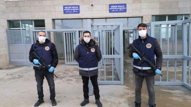 Van'daki Kapıköy sınır kapısı. İran'la tüm sınır kapıları, alınan önlemler kapsamında geçici olarak kapatıldı.