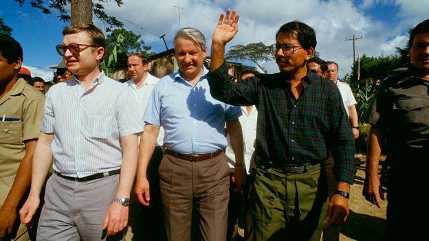 Imagen de Daniel Ortega junto a Boris Yeltsin.
