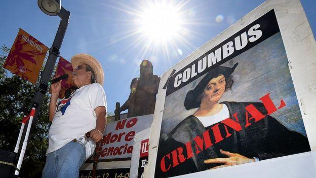 Manifestación en contra del Día de Colón.