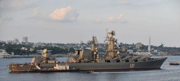 مدمرة روسية في قاعدة سيباستوبول على البحر الاسود