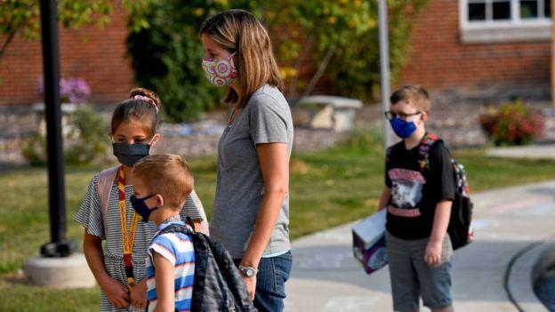 Niños en el regreso al colegio en EE.UU.