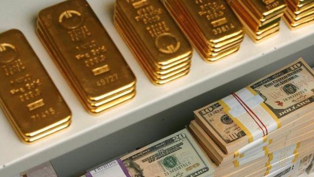 美元和黄金,资料图片