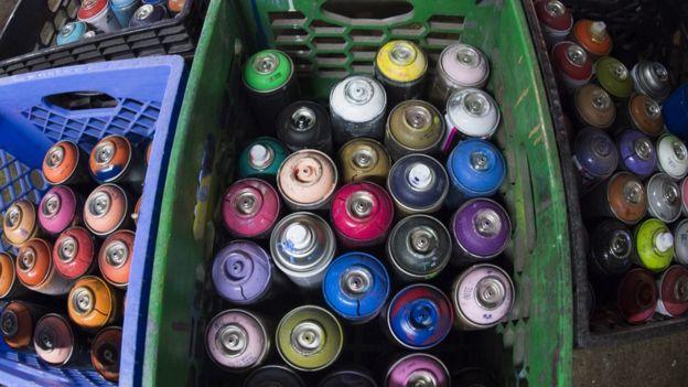 pinturas en aerosol