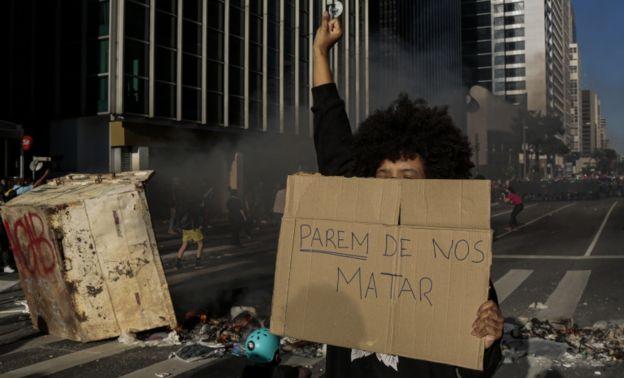 Manifestantes em São Paulo no dia 31 de maio de 2020
