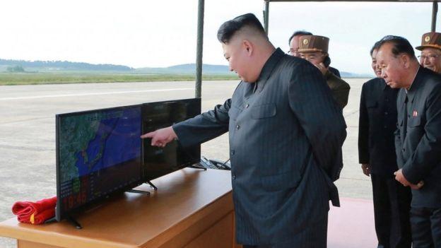 Kim Jong-un ha adoptado un papel muy personal en el desarrollo del programa de misiles balísticos de su país.