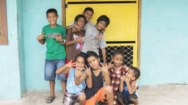 Niños en las Islas Marshall