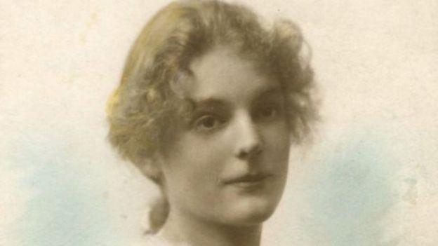 Mãe de Underhill quando tinha 16 anos (1921)