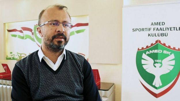 Amedspor Başkanı Ali Karakaş, 'ayrıştırıcı tezahüratlar'dan şikayetçi.
