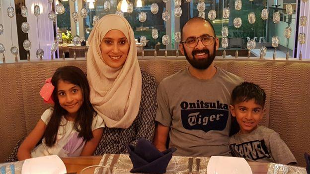 ليبمادا مع زوجها عمران ونجليها هناء ومحمد
