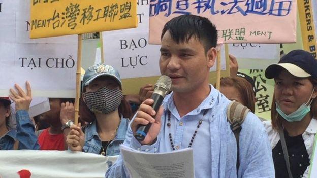 Các nhà hoạt động và lao động nhập cư cũng đổ lỗi cho vấn đề người nhập cư bỏ trốn vì mức phí quá đáng cả chính phủ Việt Nam và Đài Loan tạo điều kiện cho các công ty môi giới bòn rút từ người lao động.
