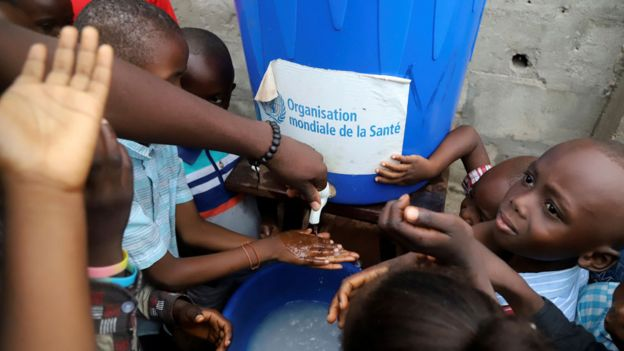Congolese children wash their hands as a preventive measure against Ebola at the Church of Christ in Mbandaka, Democratic Republic of Congo May 20, 2018.