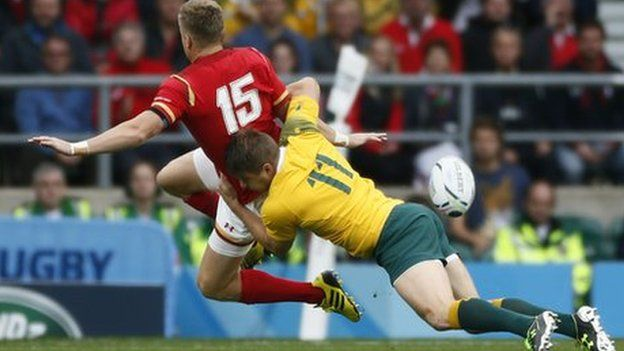 Gareth Anscombe is tackled