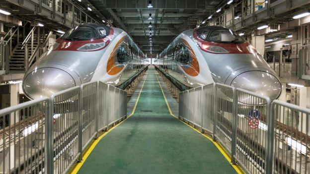 於廣深港高鐵香港石崗側線停靠的港鐵高鐵列車(資料圖片)