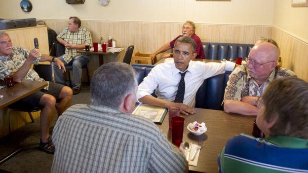Obama desayunando