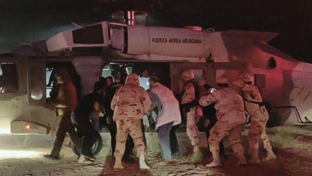 Los niños heridos fueron trasladados en helicóptero militar para ser atendidos en EE.UU.