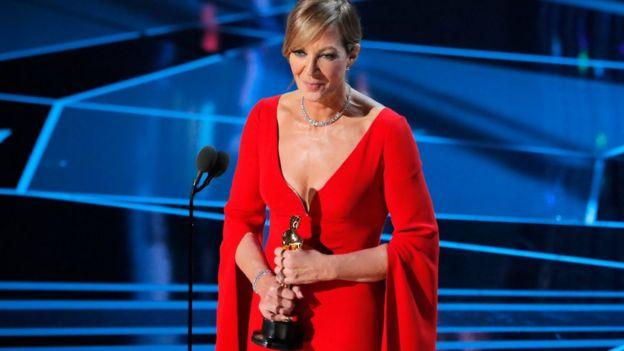 """Allison Janney ganó como Mejor actriz de reparto por su papel en """"Yo, Tonya""""."""