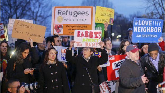 ردود فعل غاضبة على قرار ترامب الجديد بحظر السفر