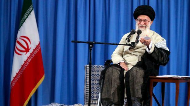 آیتالله خامنهای بعد از خروج آمریکا از توافق هستهای گفت که جمهوری اسلامی نمیتواند با آمریکا تعامل کند و نسبت به چشم انداز همکاری با قدرتهای اروپایی هم ابراز بدبینی کرد
