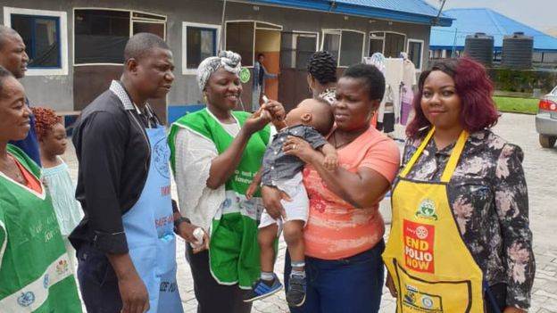 Pikin dey collect immunisation for Port Harcourt