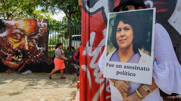 Protesta por la muerte de Berta Cáceres