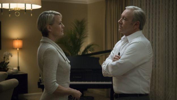 Kevin Spacey, House of Cards'ta beş sezon Frank Underwood karakterini canlandırdı.