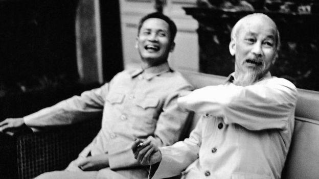 Phạm Văn Đồng và Hồ Chí Minh năm 1965