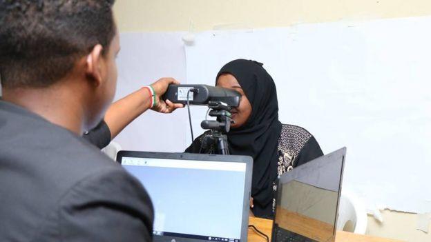 Diiwaangelinta shaqaalaha dawladda waxaa Somaliland ka caawiyey bankiga adduunka