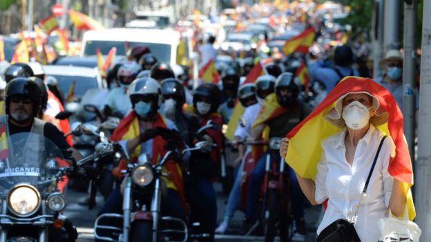 Manifestación en autos en Madrid el 23 de mayo de 2020