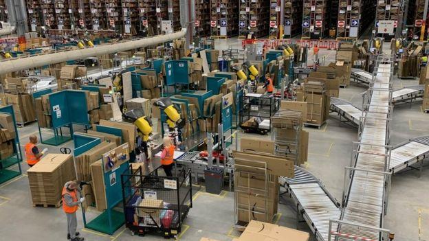 Trabajadores de Amazon.