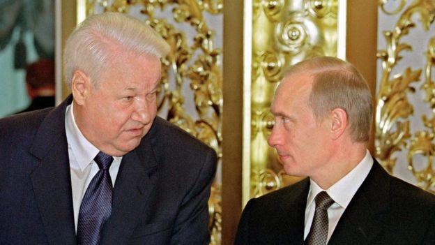 Boris Yeltsin y Vladimir Putin en 2001