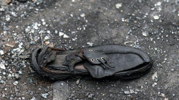Zapato en el lugar del atentado