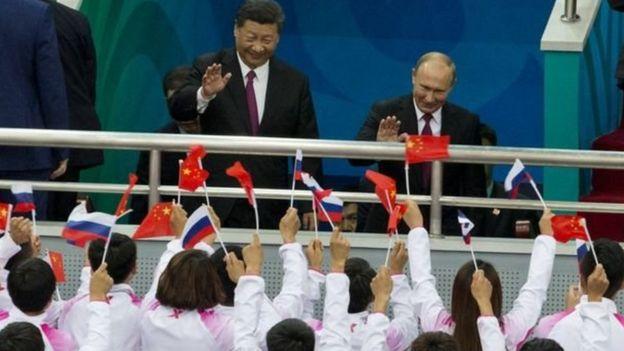 الرئيس الصيني شي جين بينغ يستضيف نظيره الروسي فلاديمير بوتين