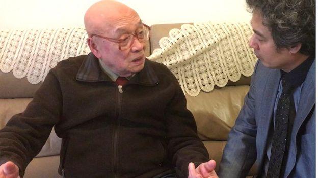 Cựu Đại tá Hoàng Cơ Lân (trái)