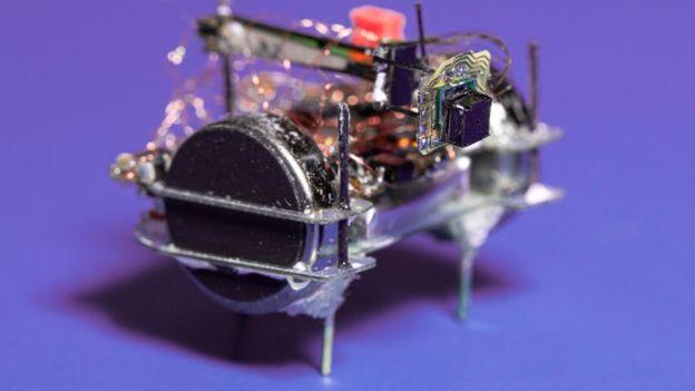küçük robot kamera.