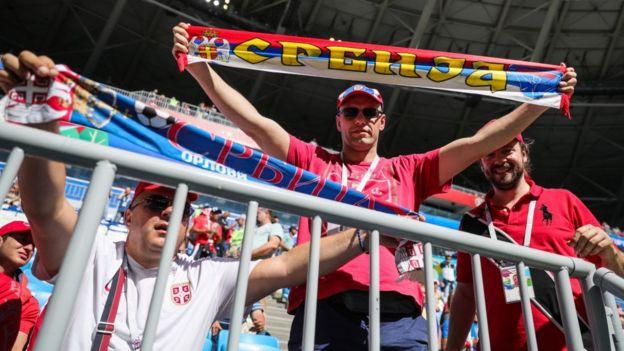 Aficionados de Serbia en el partido contra Costa Rica en el Mundial Rusia 2018