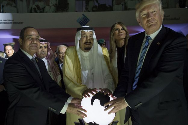 From right: Donald Trump, First Lady Melania Trump, Saudi Arabia's King Salman bin Abdulaziz al-Saud and Egyptian President Abdel Fattah el-Sisi
