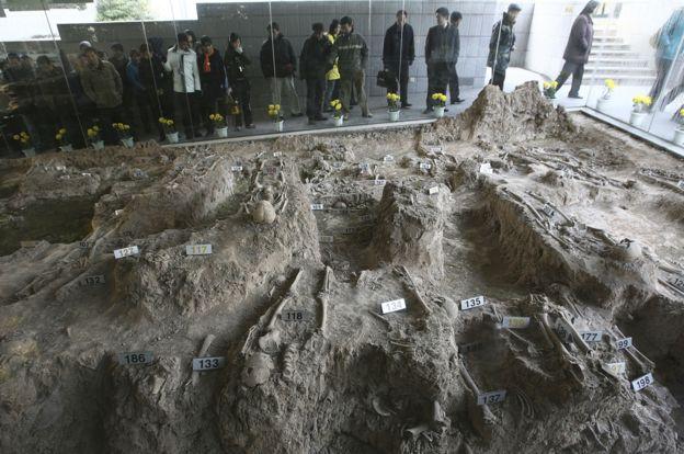 侵华日军南京大屠杀遇难同胞纪念馆里的万人坑