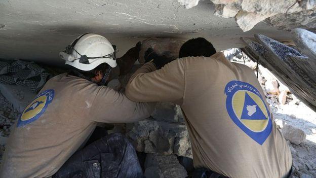 سوريا الخوذ البيضاء ملائكة رحمة أم عملاء للخارج Bbc News Arabic