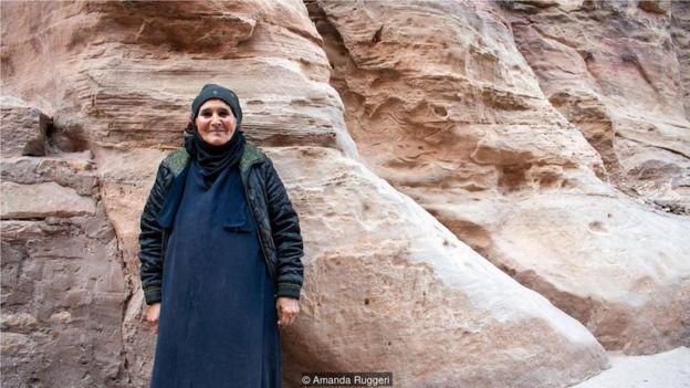 過去幾十年,全約旦的貝都因人都像佩特拉(Petra)的這名女子一樣,發現自己的生活方式變了。