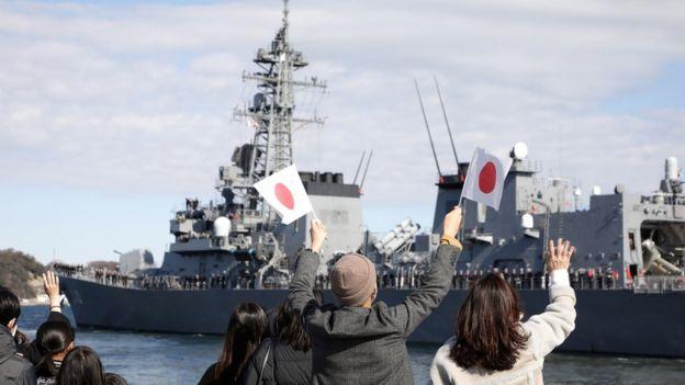 السفينة تاكانامي تغادر الميناء متوجهة إلى الخليج