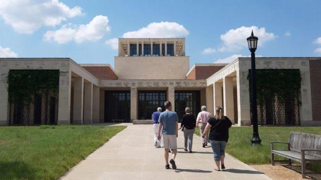 Uma vista externa do George W. Bush Presidential Center