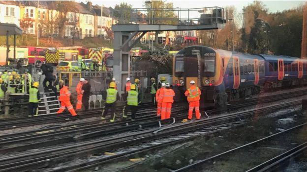 South Western Railway train derailed on 'unsafe' tracks - BBC News