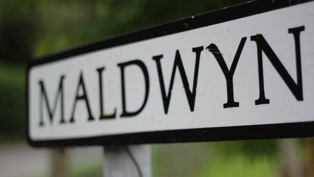 Ydych chi'n gwybod y ffordd i Faldwyn? // All roads lead to Maldwyn