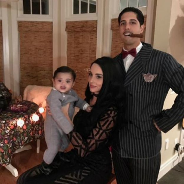 Gio Gonzalez and family as the Addams Family  sc 1 st  BBC & Are these the best Halloween costumes? - BBC News
