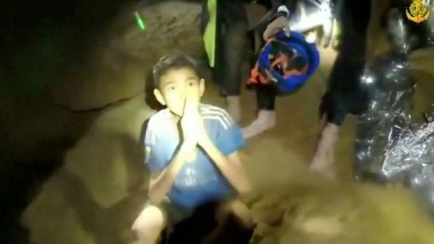 Niño atrapado en la cueva de Tailandia.