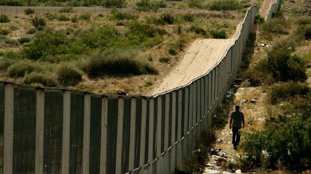 El presidente Trump no ha conseguido fondos para ampliar el muro fronterizo.