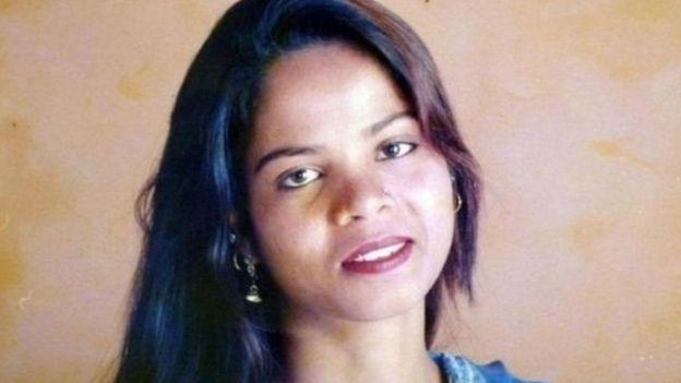 المحكمة العليا في باكستان تلغي قرارا سابقا بإدانة آسيا بيبي بتهمة التجديف